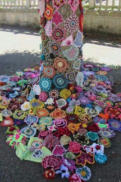 54d023371f20400a1a786fd7b767e1db--crochet-tree-freeform-crochet[1]